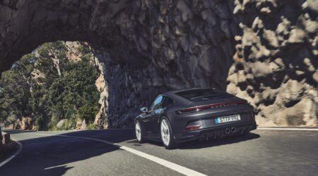 La nuova Porsche 911 GT3 Touring, tecnica della GT3 senza alettone