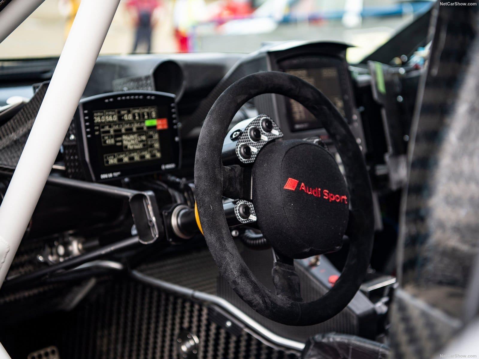 Gli interni della RS Q e-tron - Crediti foto: ufficio stampa Audi Italia
