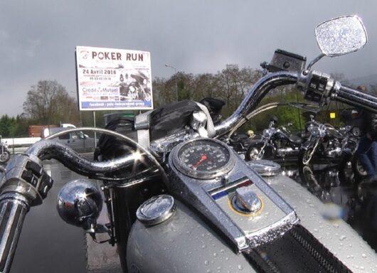 """Bluffare guidando"": il poker run"