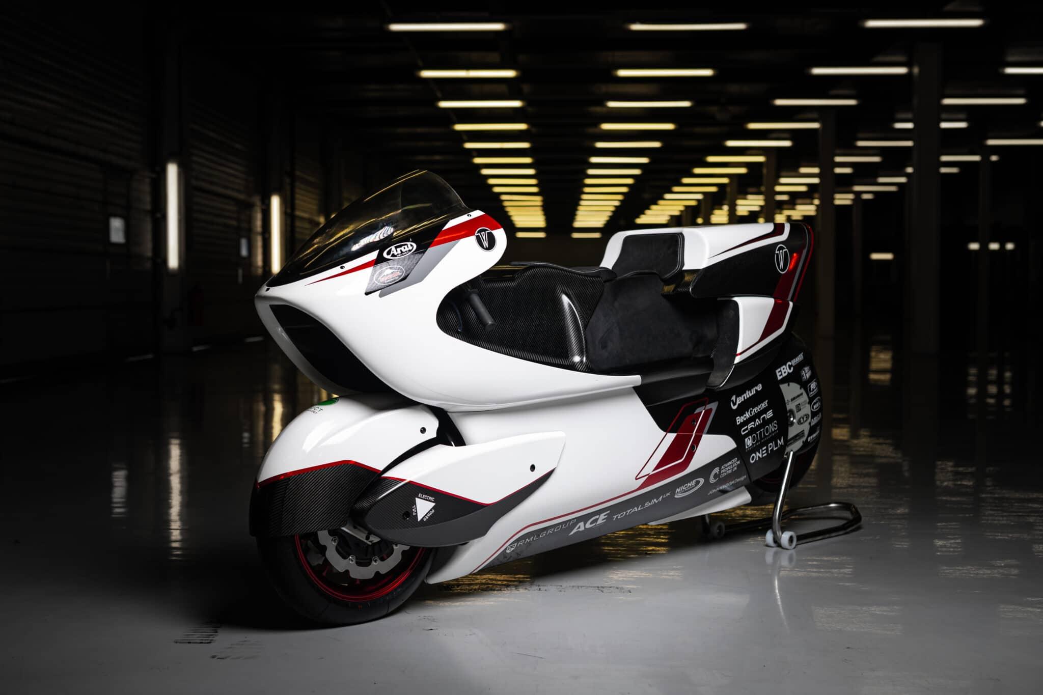 WMC250EV: la moto elettrica con trazione integrale che supera i 400 km/h