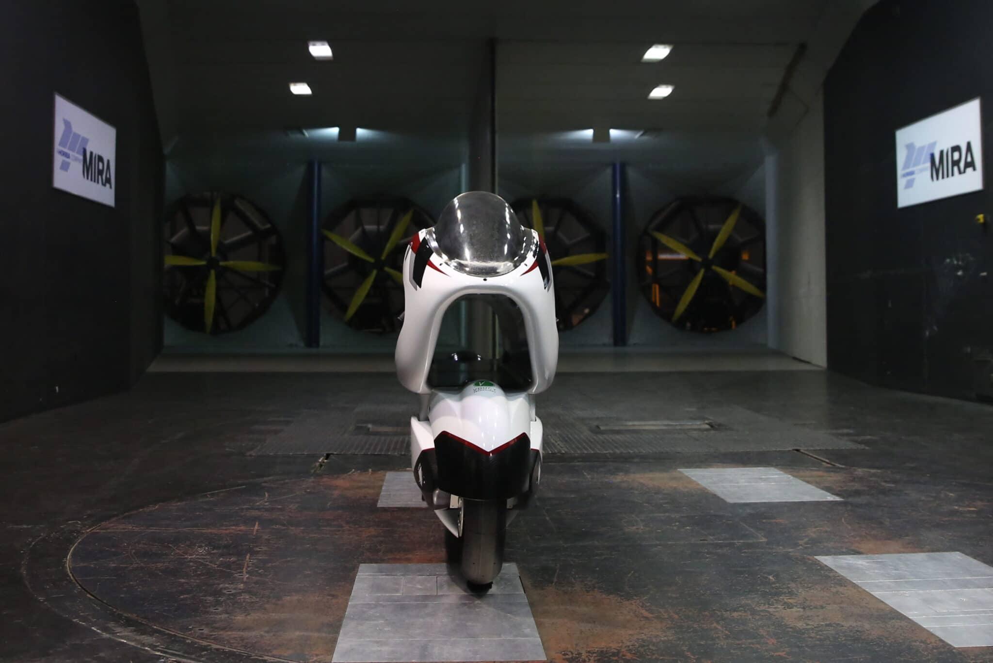 Vista frontale in cui si vede il condotto V-Air