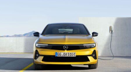 Nuova Opel Astra, design rinnovato e motori ibridi per la prima di Stellantis