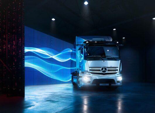 Mercedes eActros, la rivoluzione del trasporto pesante su gomma