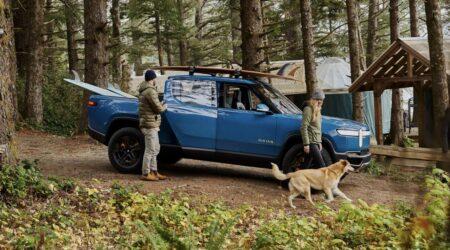 Rivian R1T: è finalmente entrato in produzione il primo pick-up elettrico