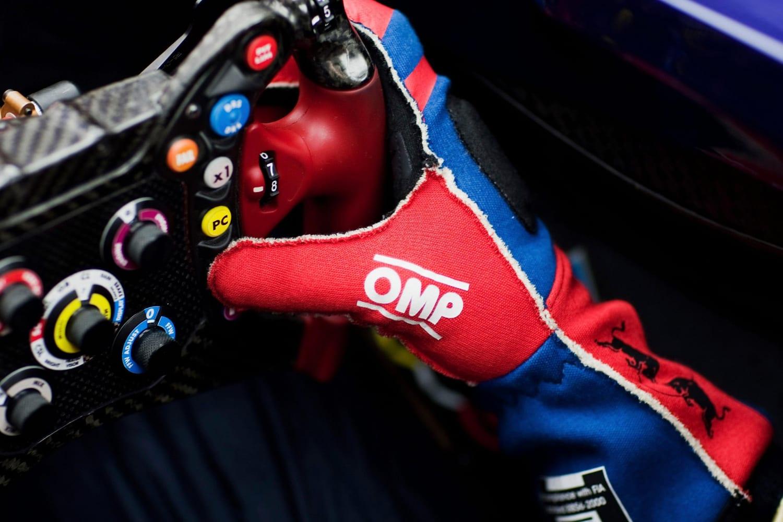 I guanti utilizzati in Formula 1 nel 2013
